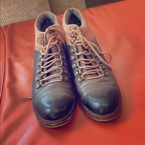 🍁Kensie Victorian Booties